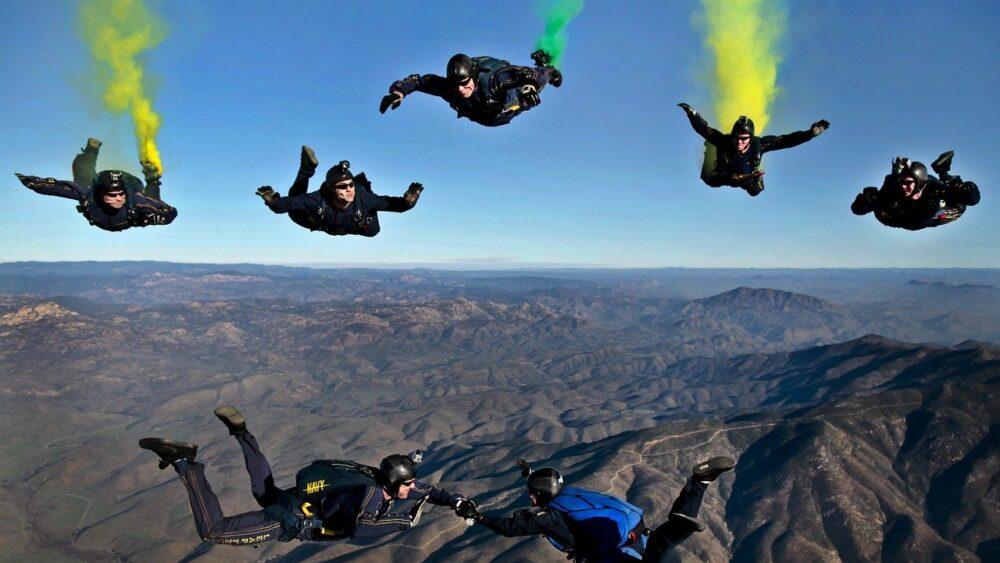 skydiving equipments
